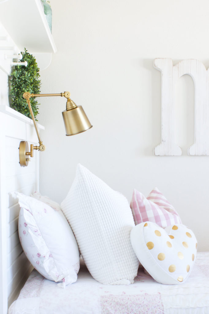 Picture of: Diy Headboard Light With A Plug In Wall Lamp Txsizedhome